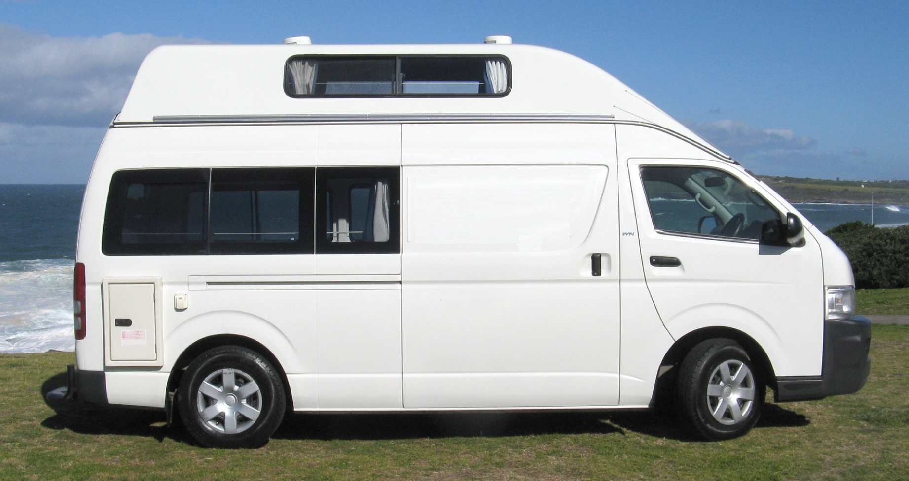 3 5 Person Family Friendly High Top Campervan